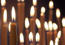 Pomenirea morților, lumânări aprinse
