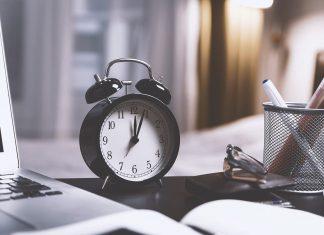 Antonie de Suroj, Bloom, ceas, deșteptător, alarmă, birou, timp