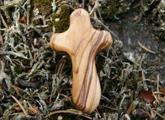 Bucură-te, Sfântă Cruce, păzitoare a creștinilor!