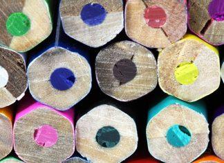 Vase și virtuți, creioane colorate,trupuri,străluciri
