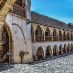 Mănăstire, mare