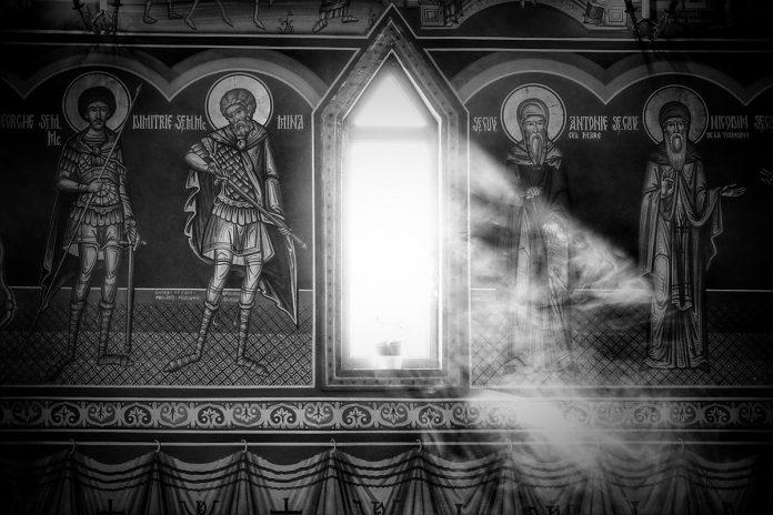Biserica, mistic, tămâie, întuneric, sfinți