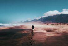 deșert, munți, nori