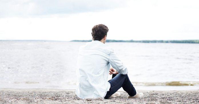 plajă, bărbat, gânditor, meditativ