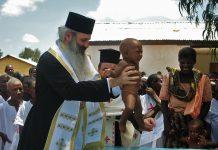 IPS Teofan botează copii în Africa, misionar