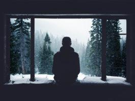 Om, singurătate, iarna, fereastră, munți
