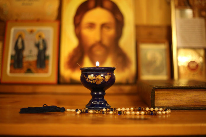 Vederea duhovnicească, candelă, icoană, rugăciune