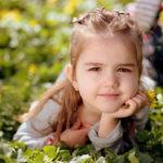 copil, fetiță, iarbă, veselie, nevinovăție