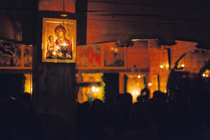 Prohodul Domnului (Foto: Benedict Both), biserica, slujba